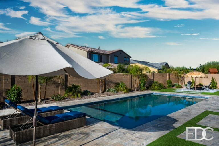 Swimming Pool Silver Travertine Synthetic Turf And